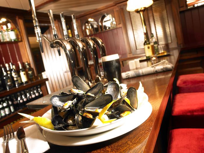 Maritime Hotel Bar